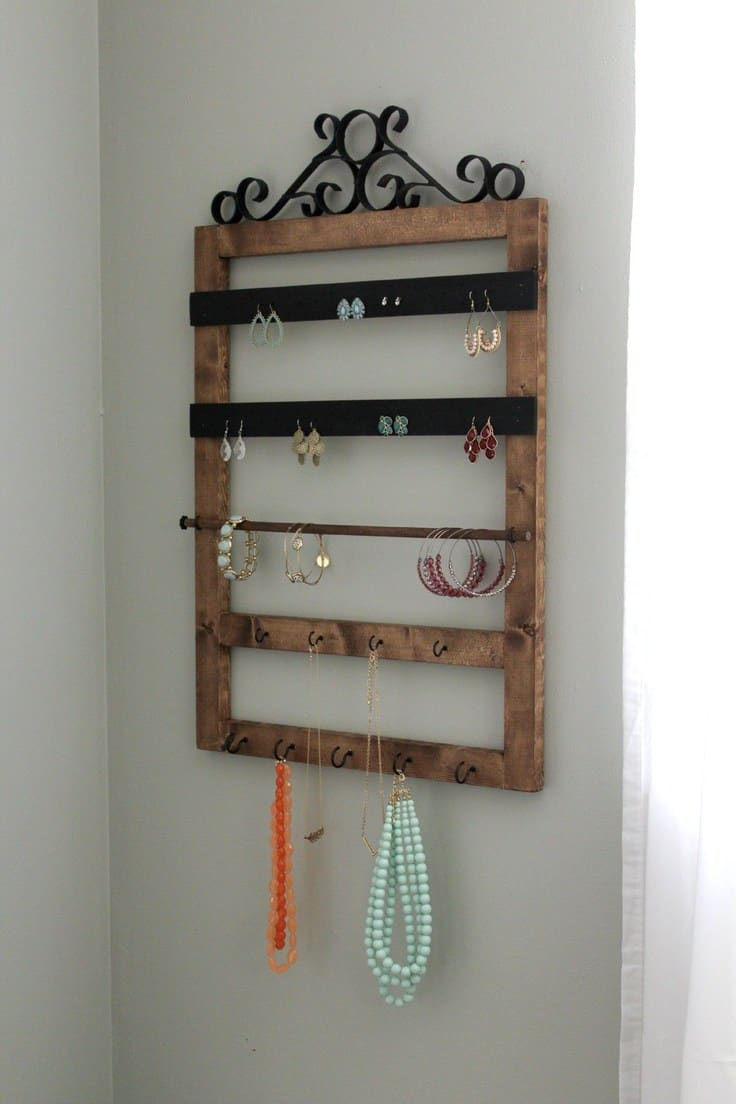 Pottery Barn Inspired Jewelry Holder – Reasons to Skip the Housework - 16 Brilliant Ideas for DIY Jewelry Organizers on Kenarry.com