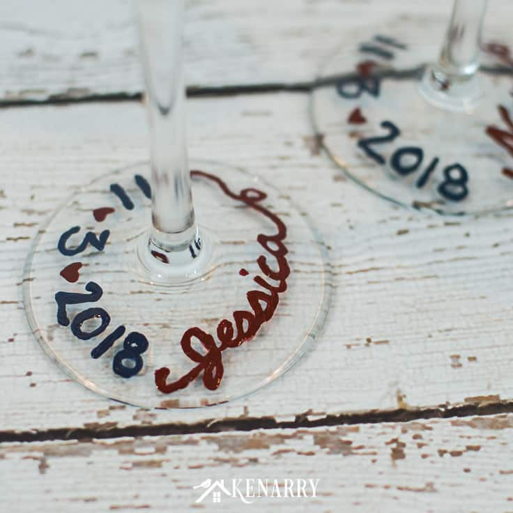 Paint the bride's name on the base of a champagne glass to make an easy personalized gift. These Mr. and Mrs. toasting glasses are an easy DIY gift for the bride and groom, perfect for a bridal shower, wedding or anniversary. #weddinggifts #weddingideas #weddingreception #handpainted