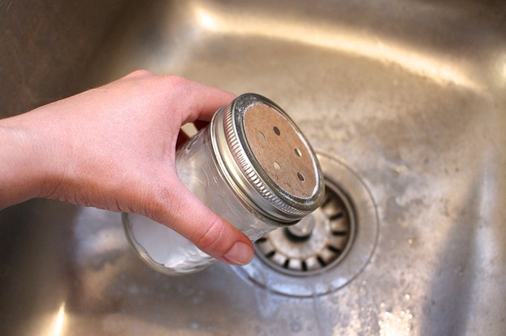 diy-essential-oil-cleaning-products-everyday-sink-scrub