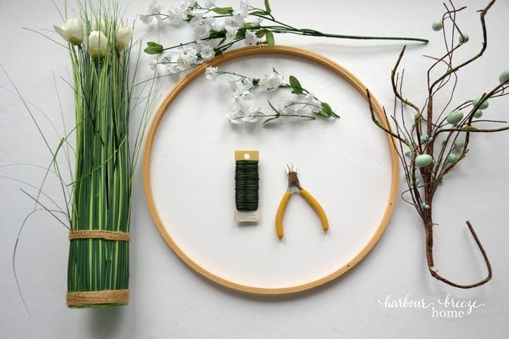 Supplies for an embroidery hoop front door wreath