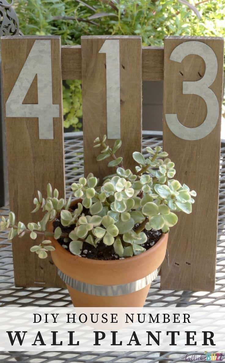 Add a little character to your home's exterior with this easy and chic DIY house number wall planter! #gardenideas #housenumbers #frontporch #farmhouse