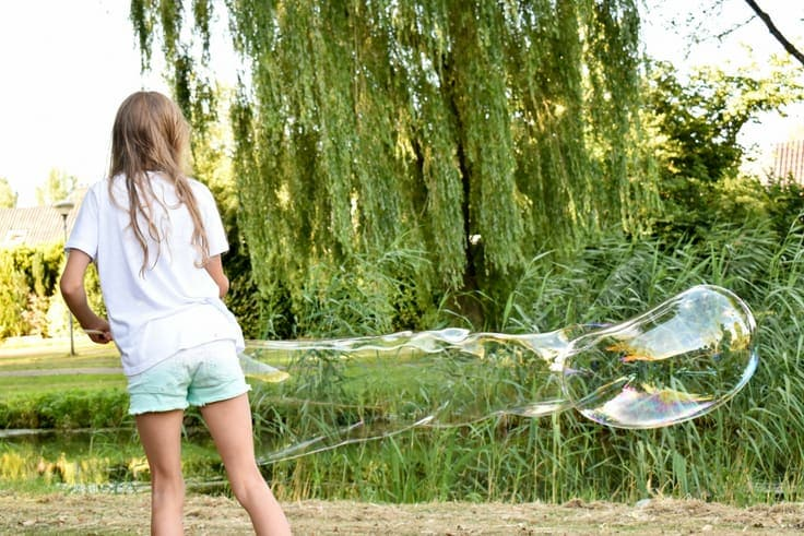Learn how to make a giant bubble wand in this easy diy tutorial