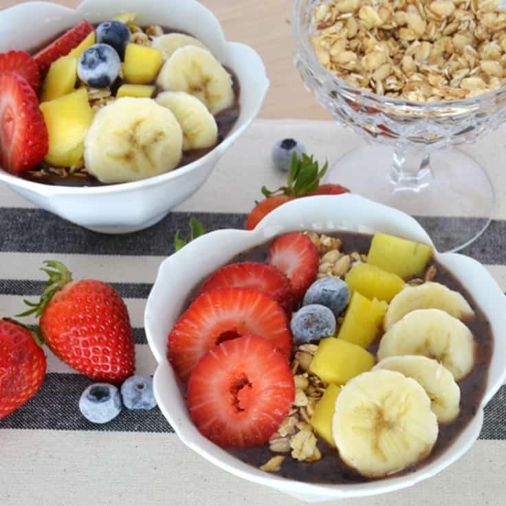 Acai Berry Bowls: Easy and Healthy Breakfast Idea