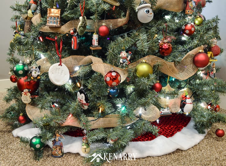 Love farmhouse style decor? Create a rustic Christmas tree quickly and easily this holiday season using wide burlap ribbon as garland.