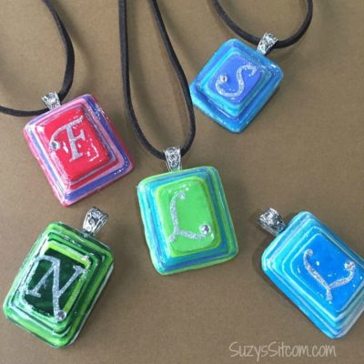 Check out this easy tutorial on how to make unique layered paper DIY jewelry! This necklace is a beautiful gift idea! Jewelry making can be much easier than you expect. #diyjewelry #homemadegifts #kenarry