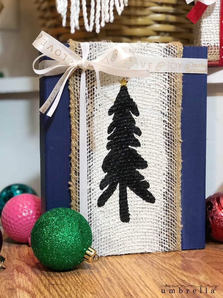 burlap Christmas tree sign