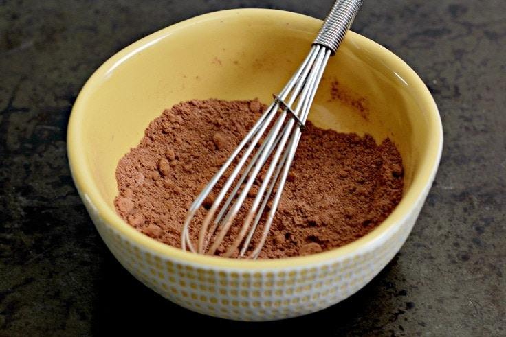 Mixing single cup hot chocolate dry ingredients