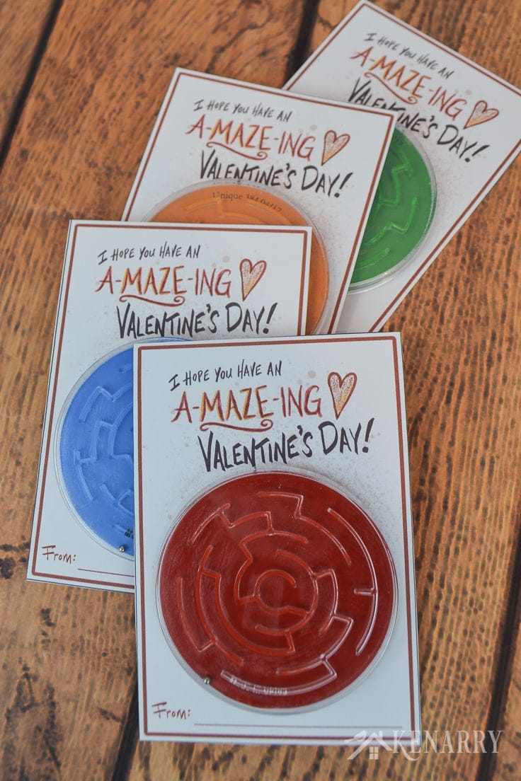 If your child loves games and puzzles, this kids Valentine's Day card will be perfect. Just download the free printable and attach a toy maze or labyrinth. #kidsvalentine #valentinesday #kenarry