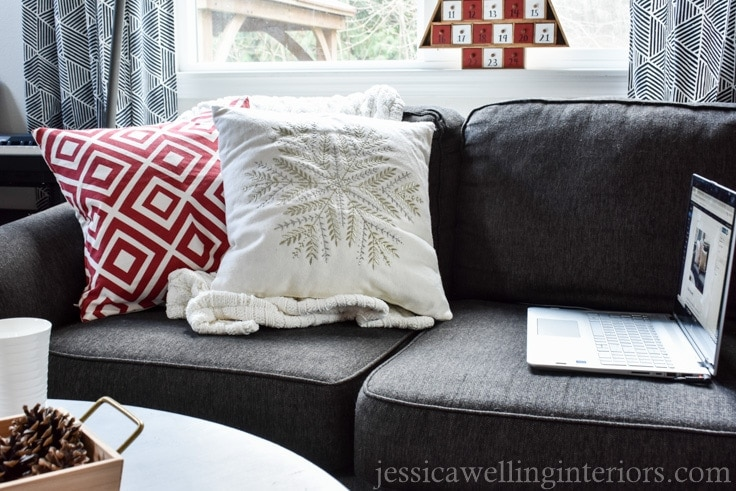 Not sure how to transition your living room decor after Christmas? I'll show you just how easy it is to take your living room from post-holidays to winter cozy!