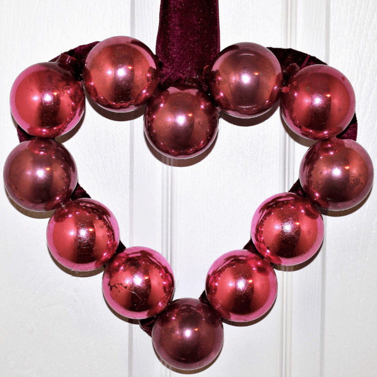 How To Make A Valentine's Day Wreath Using Ornaments