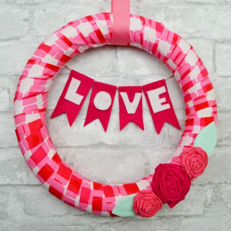 Easy DIY Valentines Day Wreath with Fabric Scraps