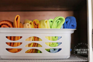 Have a small laundry room? Try these inexpensive, small laundry room storage ideas! It's easy to organize a small laundry room with clever laundry hacks and tips! - BY Craftivity Designs