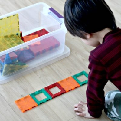 Teaching child pattern recognition with colors and shapes