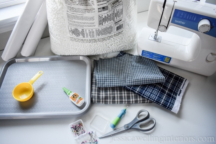 Make these DIY cushioned lap trays with bean bag bottoms that conform to your lap! Use them as TV trays, for breakfast in bed, wheelchair trays, and more!