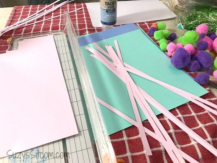 Fun Easter Craft Idea: Bunny Brooch made with Paper!