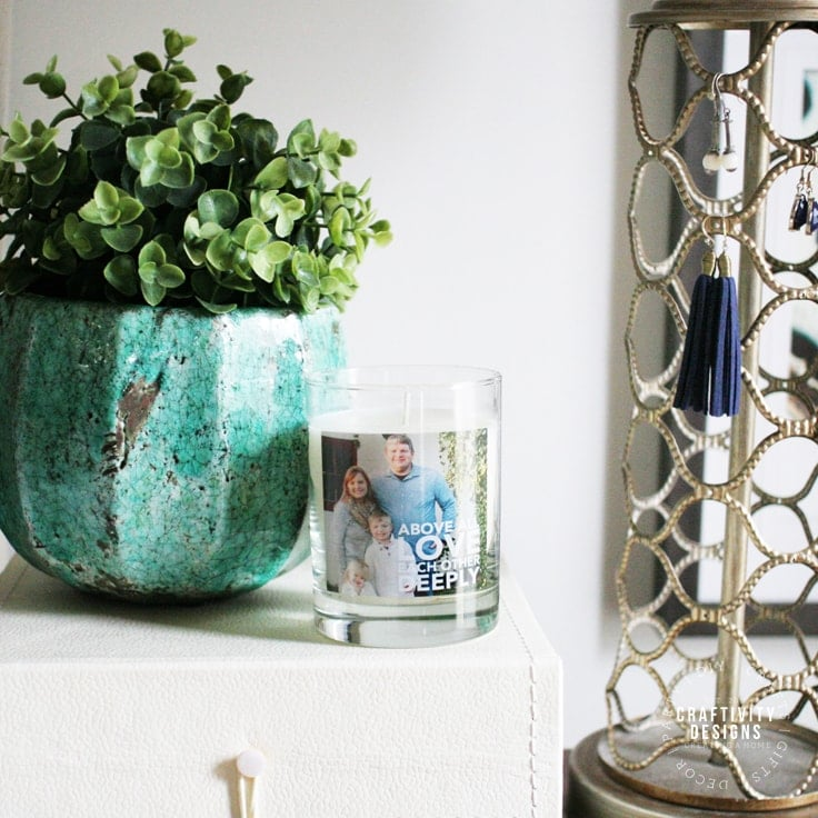 Easy Nightstand Decor for Your Bedroom in 5 Quick Steps