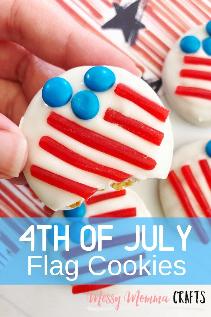 4th of July cookies decorated to look like round American flags.