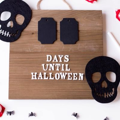 Get ready for Halloween's arrival with this super easy DIY Halloween Countdown Board