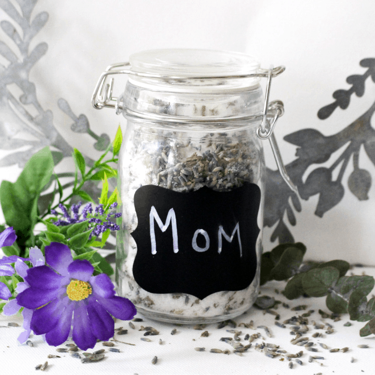 How To Make A DIY Lavender Sugar Scrub For Mother's Day