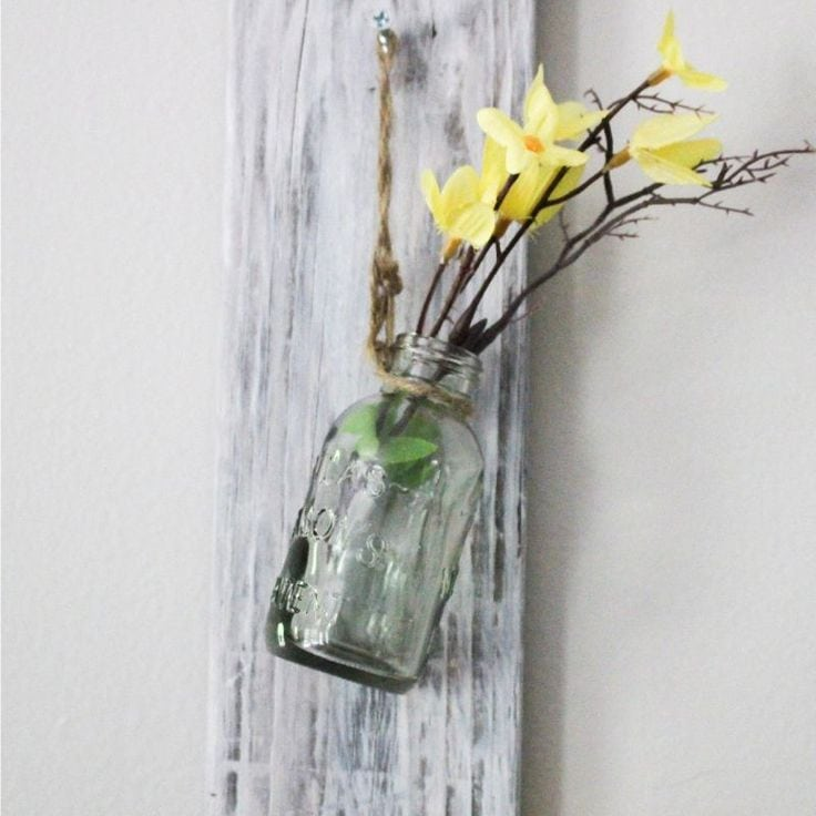 How To Make A Beautiful Pallet Wall Hanging Vase