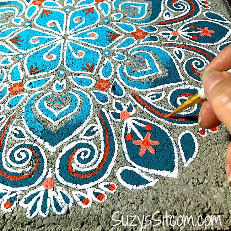 How to Paint Beautiful Stepping Stones with Stencils