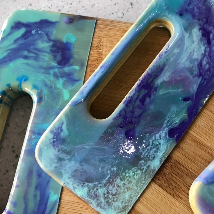 Creating with Resin: A Beautiful Gift Idea
