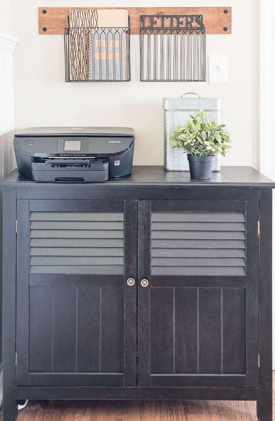 Low-cost solution for storing loose papers in a home office