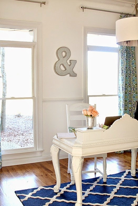 A pop of blue in a neutral home office