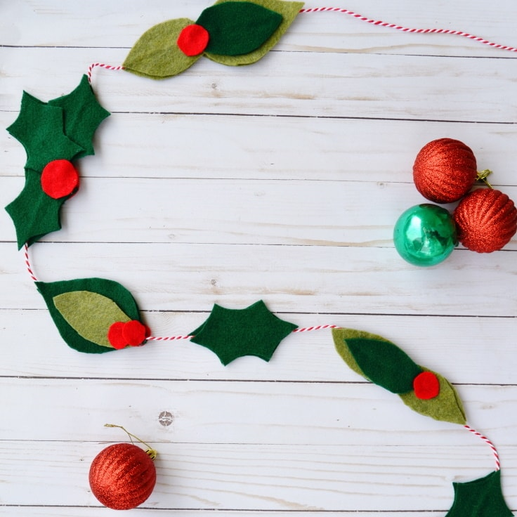 How to Make a Christmas Garland with Felt