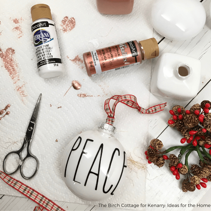 How to Paint Clear Christmas Ornaments