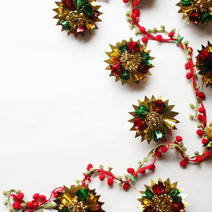 How to Make DIY Christmas Garland with Vintage Ornaments