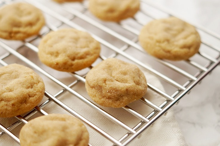 Easy and Delicious Soft Baked Peanut Butter Cookies