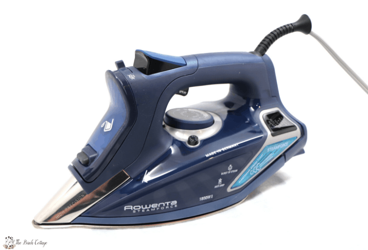 The front of the Rowenta iron with a precision tip