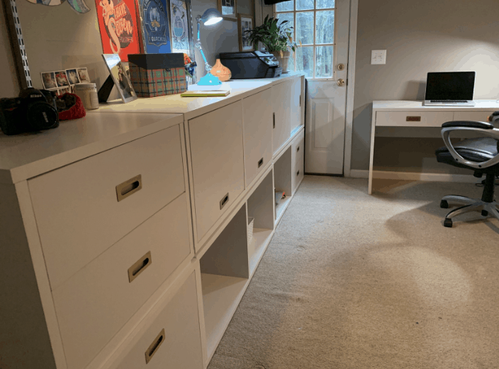 A home office with matching furniture