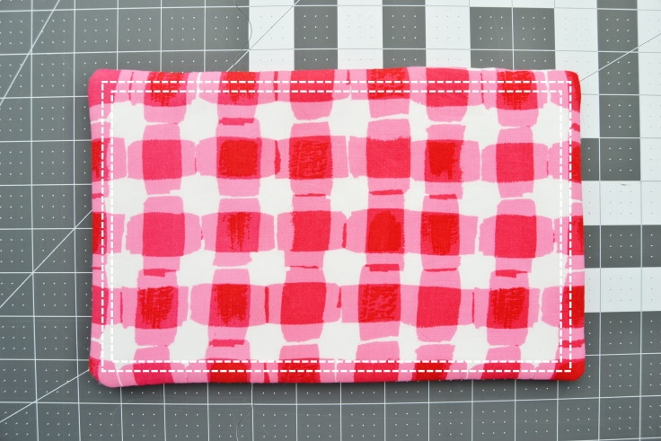 Lines showing where to topstitch on the hot pad