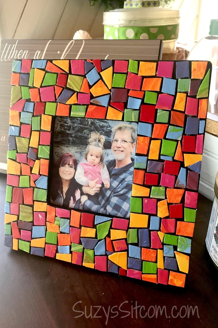 Create a special gift with this fun to make mosaic frame using supplies that you will probably have on hand!  This fun frame is made with styrofoam plates and is a beautiful gift that mom will love!