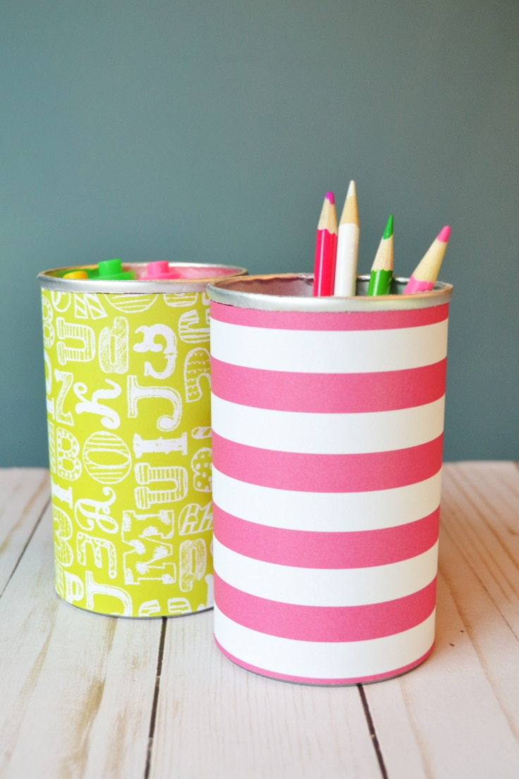 DIY Pencil holder with pencils