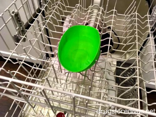 Clean your dishwasher with vinegar