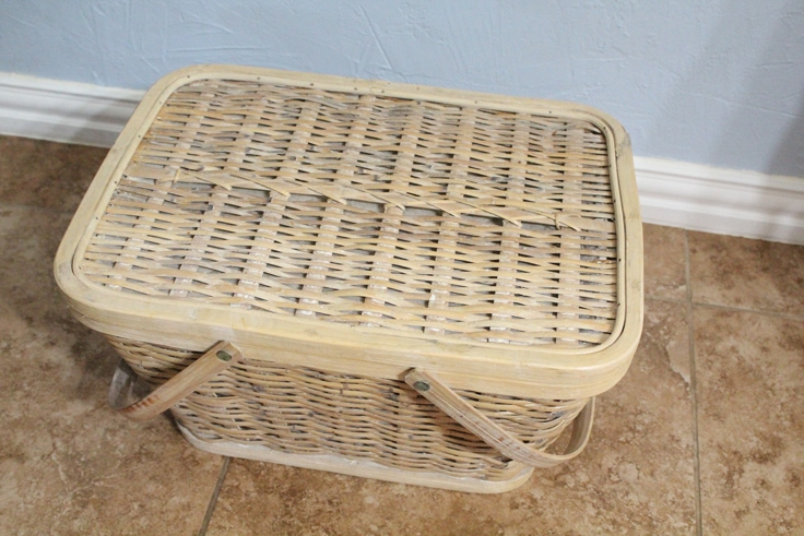 simple light brown picnic basket