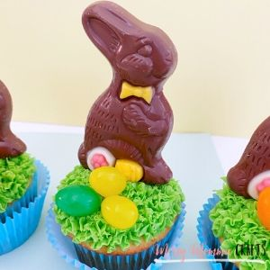 Chocolate Easter bunny cupcakes recipe from Messy Momma Crafts