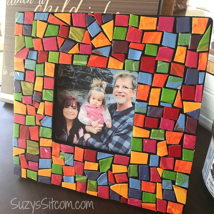 Easy Crafts: Fun to Make Mosaic Frame