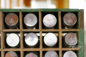 How to Organize Spices in a Vintage Soda Crate by Craftivity Designs