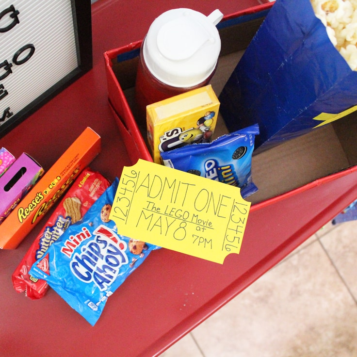 8 Ideas for Family Movie Night at Home
