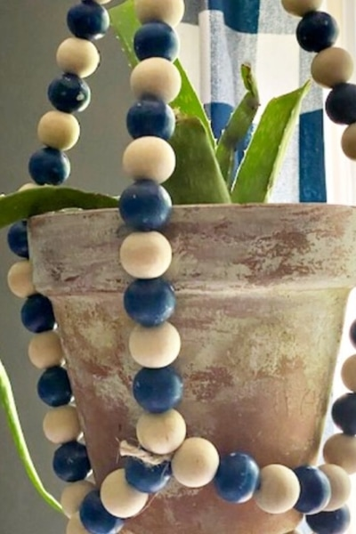 feature wood bead planter