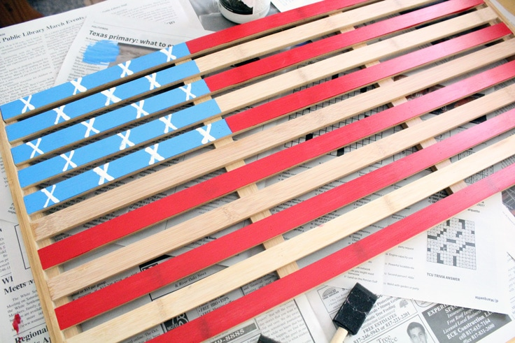 Wooden mat painted to resemble the American flag