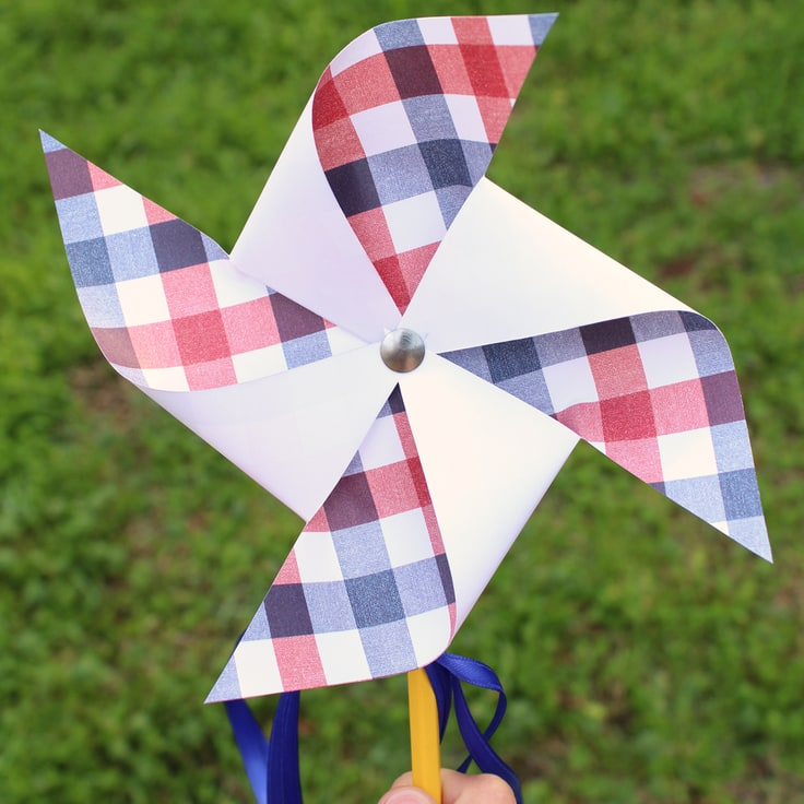 Patriotic 4th of July Pinwheel Craft
