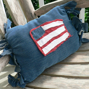 No-Sew Patriotic Pillow
