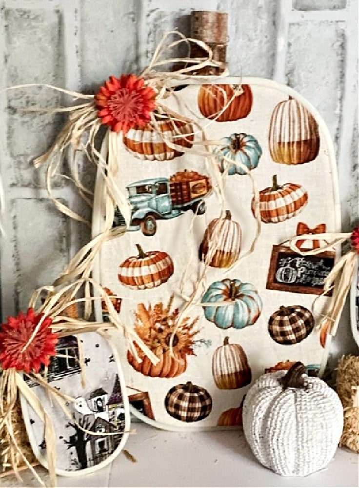 embroidery hoop pumpkins with brick background