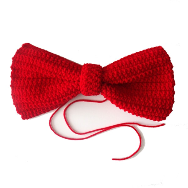 big red crochet bow from One Mama's Daily Drama