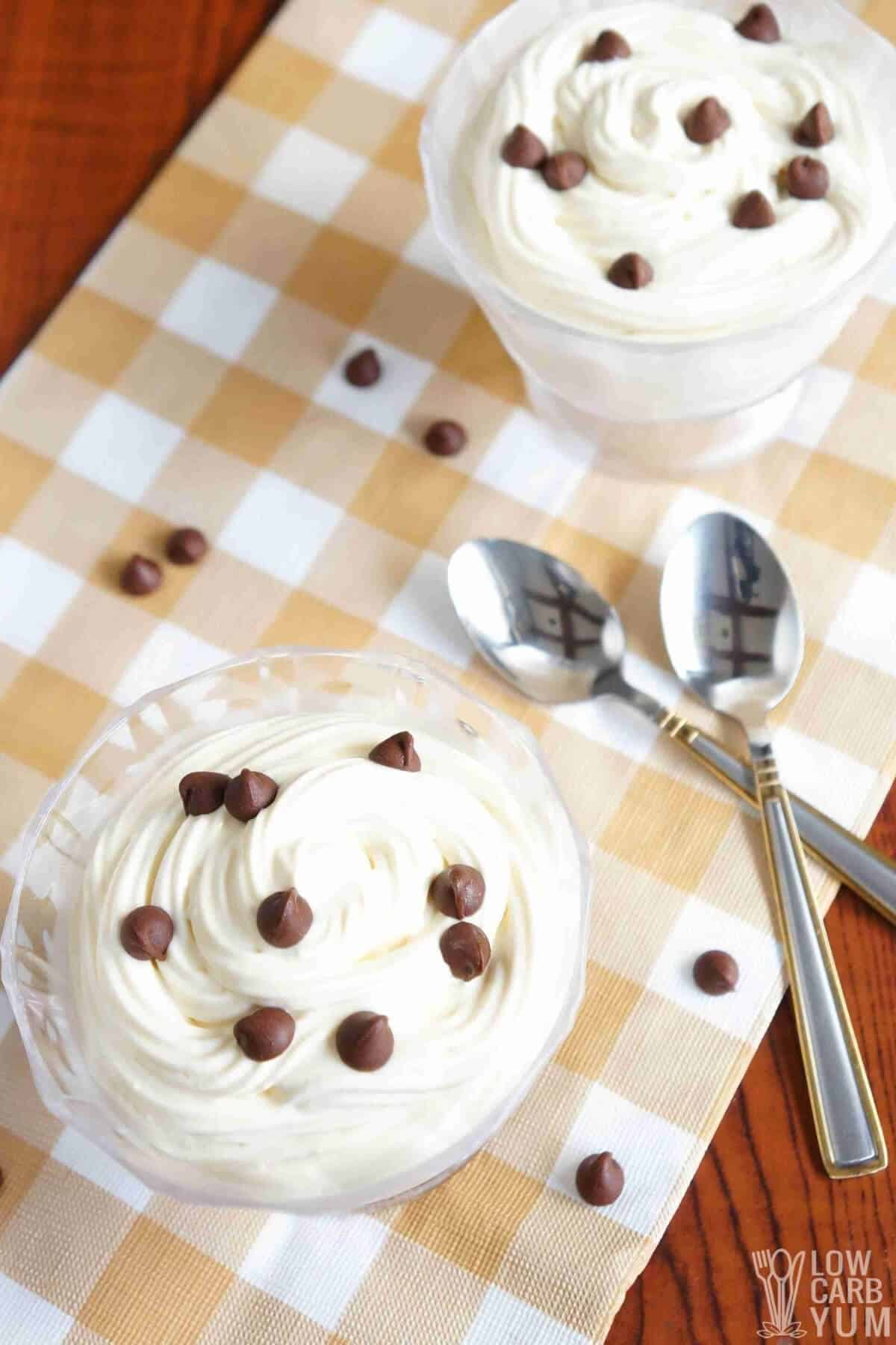 Sugar-free cheesecake mousse in individual glasses